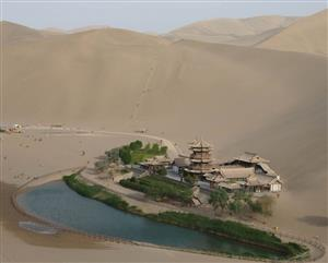 沙漠里的绿洲