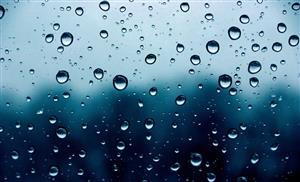 玻璃窗上的雨点