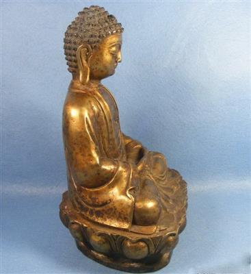 黄铜莲花座释迦摩尼大佛像